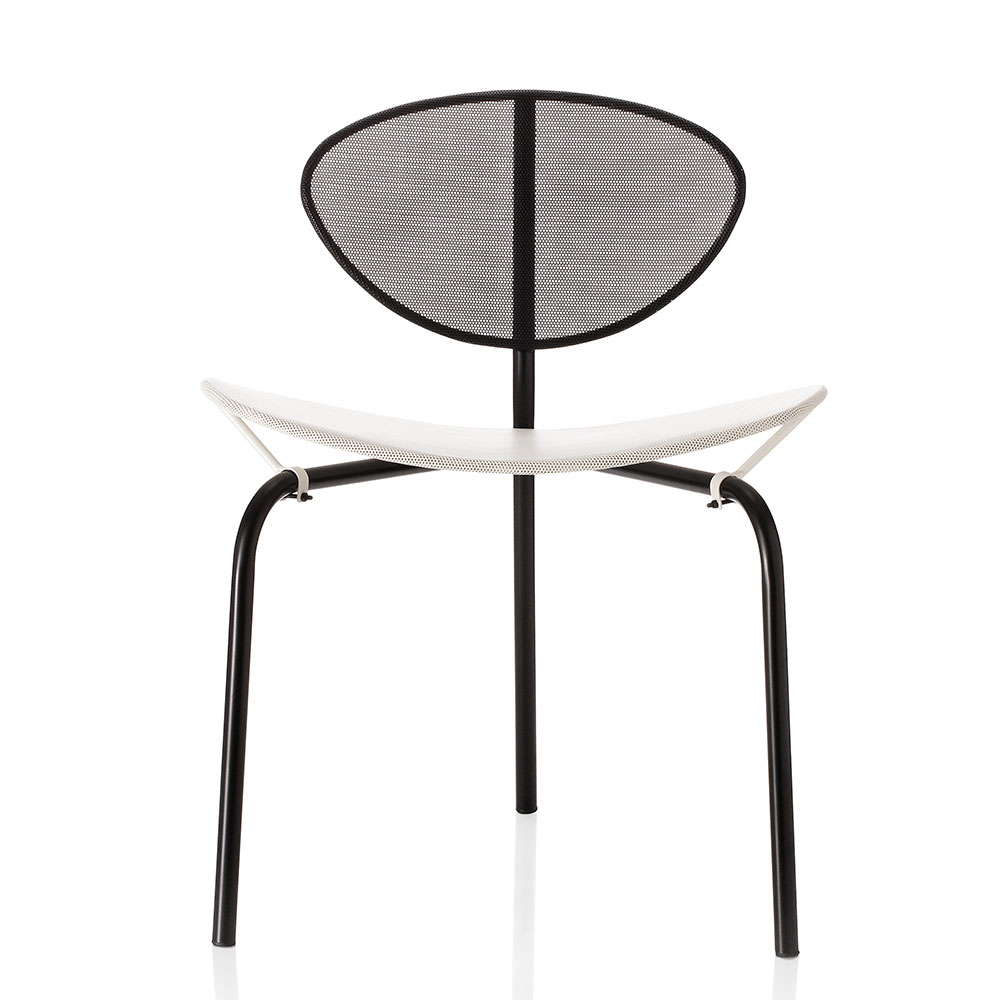 nagasaki stuhl in schwarz weiss von gubi online kaufen. Black Bedroom Furniture Sets. Home Design Ideas